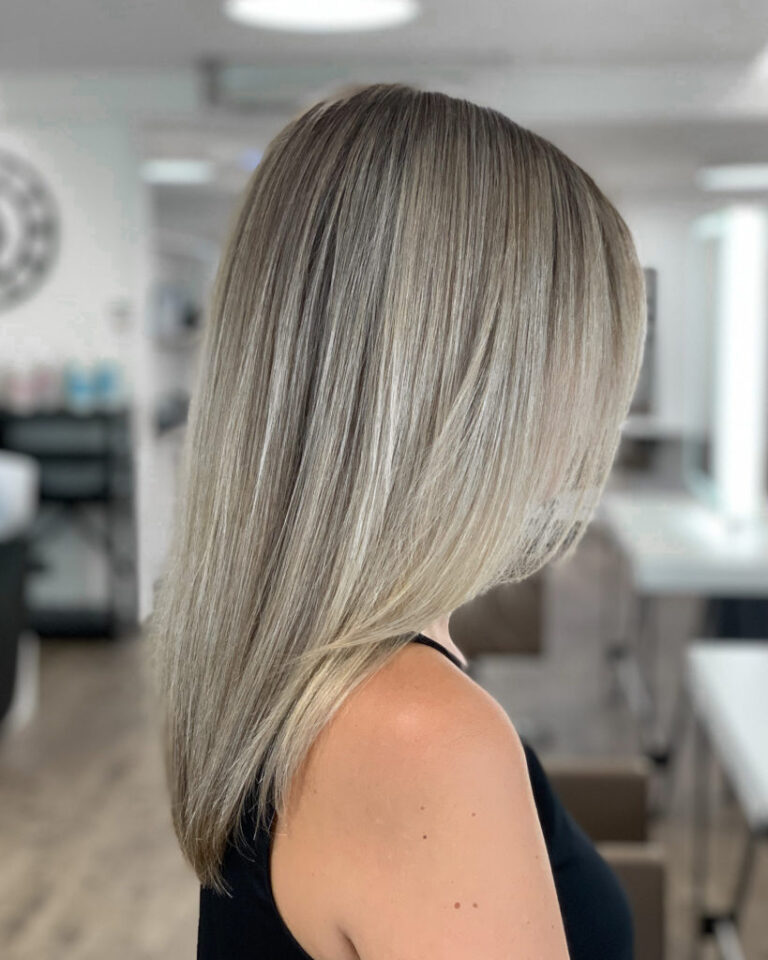 The_Colorist_Coiffeur_Meilen_Blond